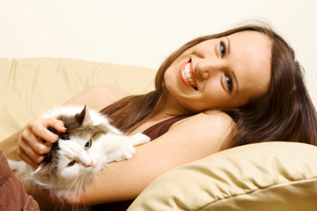 woman-with-cat.jpg